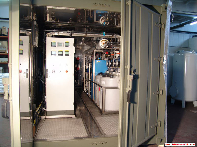 Vista interna dissalatore militare » Potabilizzatori in container