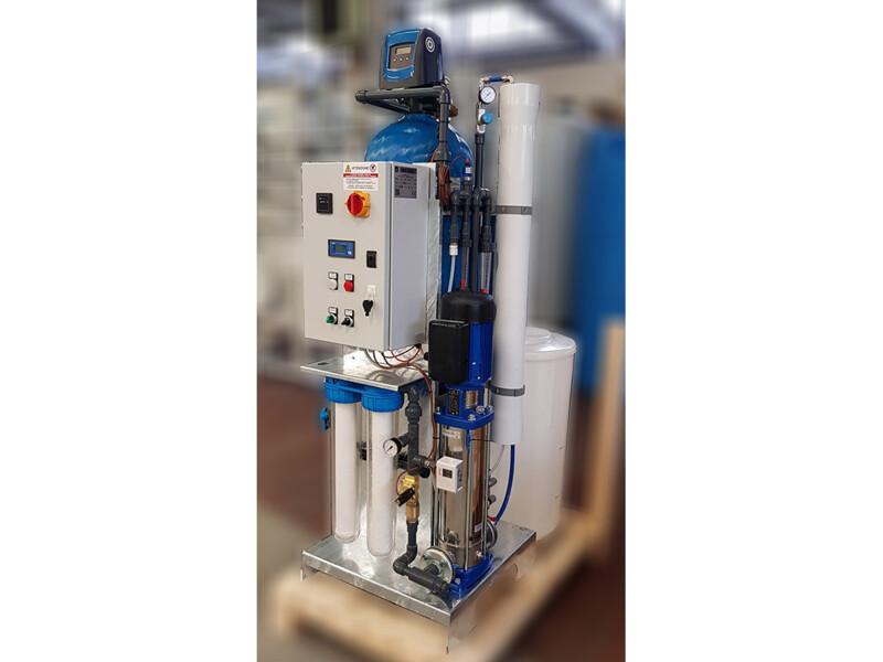 Impianto a osmosi inversa per depurazione acqua da taglio